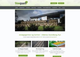 Et skærmbillede af forsiden for stougaard anlægsgartners website